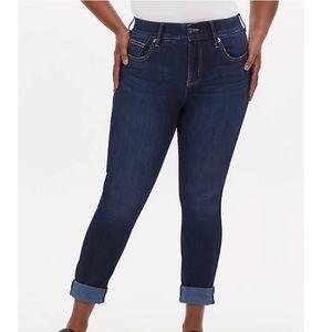 New Torrid Bombshell Straightleg Jeans 26 Short